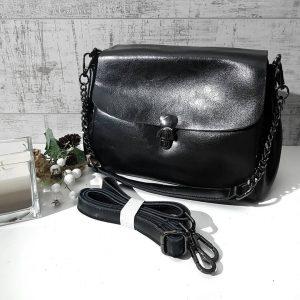 Черная сумка через плечо