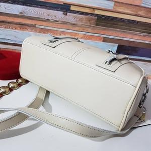 Женская сумочка ванильного цвета